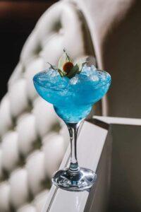 blue lagoon liquer ice